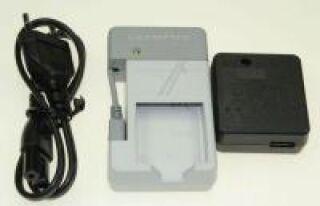 Chargeur rapide UC-50C ( chargeur via alimentation secteur et/ou USB)